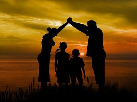 Jak nie być nadopiekuńczym rodzicem?